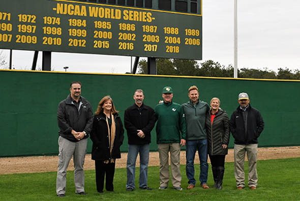 San Jacinto College honors Baseball Legends
