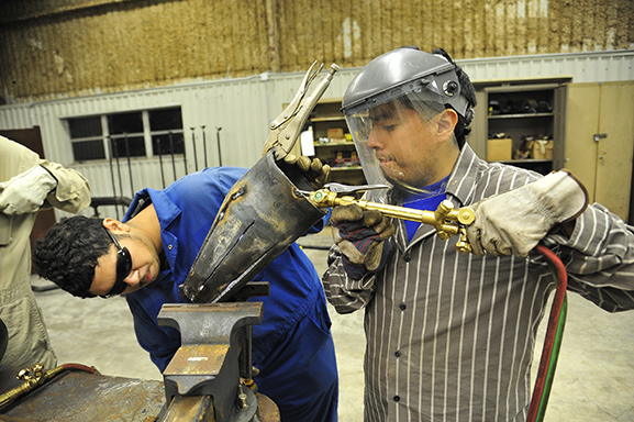 Training according to immediate oil and gas needs moves graduates into workforce