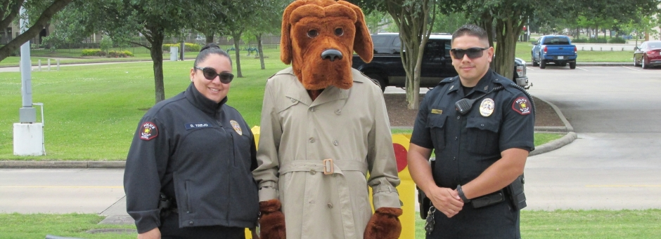 McGruff with officers