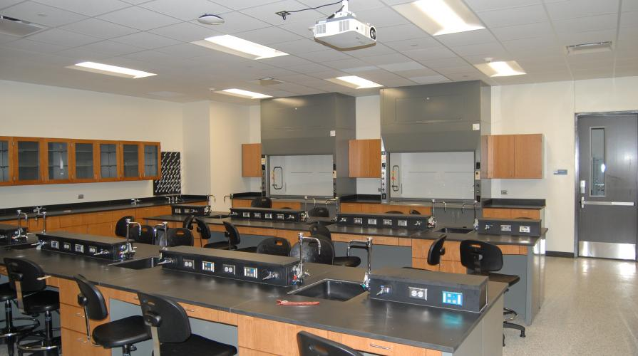 classroom setting for Chemistry lab